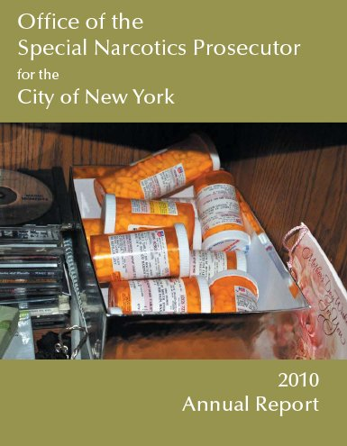 annual report cover with photo of prescription drugs